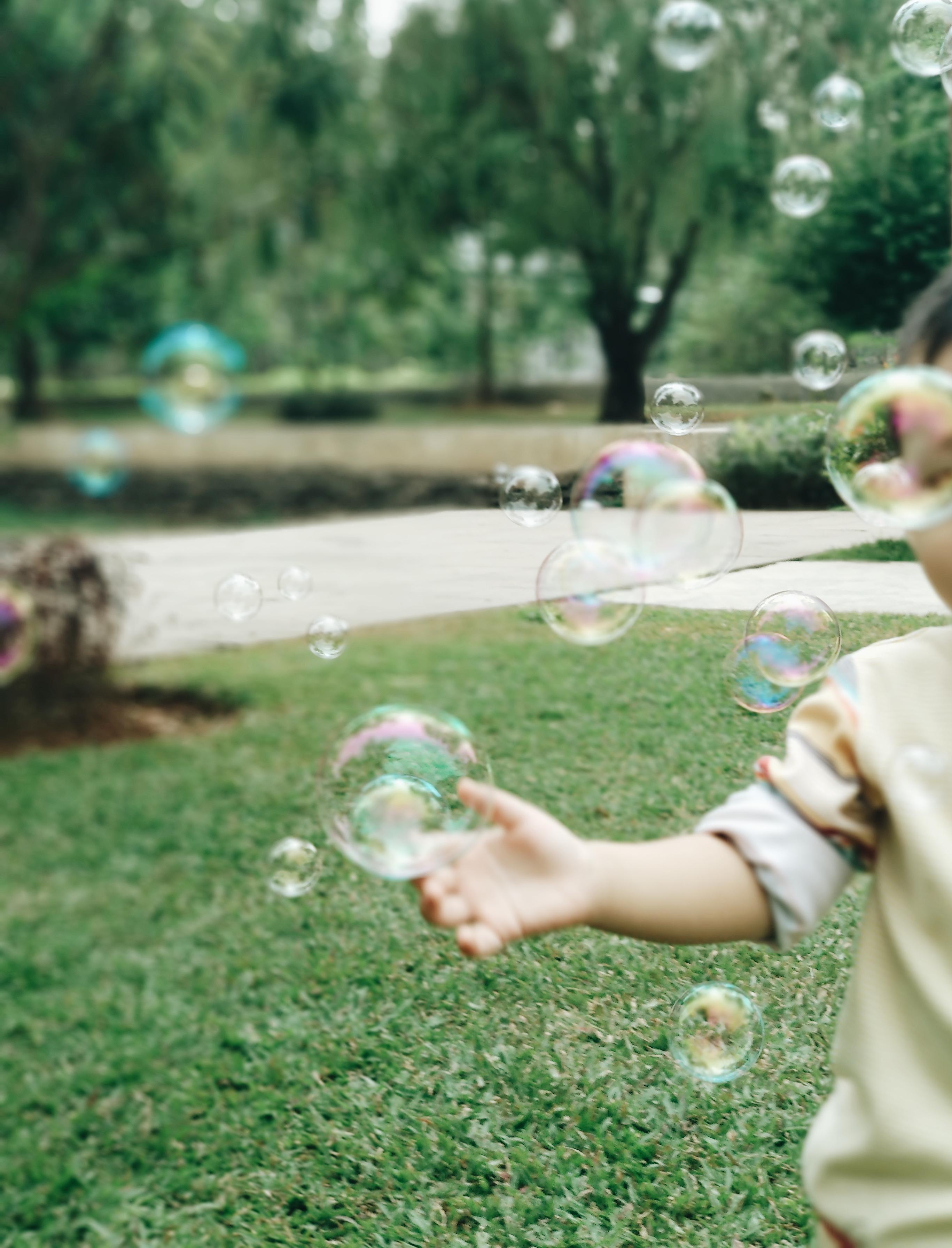 Bermain Sambil Belajar dengan Bubbles
